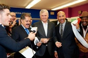 Randy Falco inaugurates the first Univision Media Center at the New Venture Middle School.